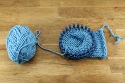 0276000007734369-photo-tuto-tricoter-des-manchettes-de-botte-en-laine-6